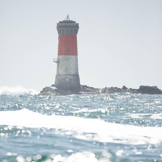 Rénovation de la coupole du phare des Pierres Noires