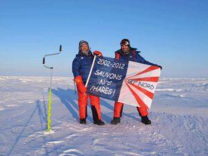 Expédition Pôle Nord 2012 le pavillon de la snpb au pôle nord